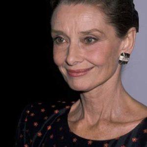 T1 Audrey Hepburn